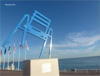 chaise-bleue-nice-sab