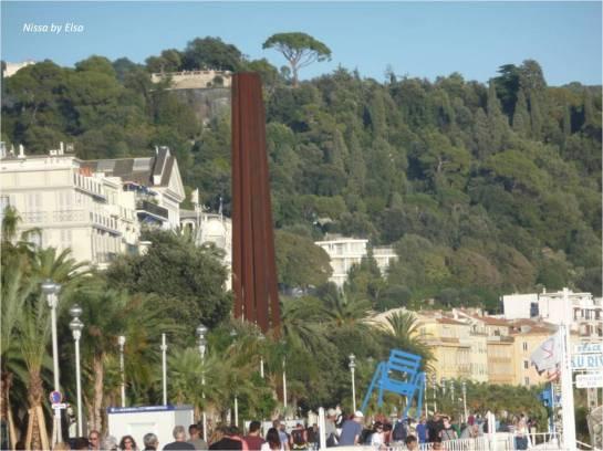 obelisque-bernar-venet-nice