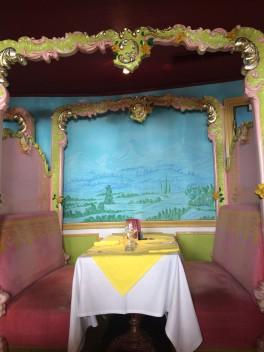 table-set-at-brasserie-la-rotonde